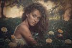 Девушка в саду (худ. ретушь)