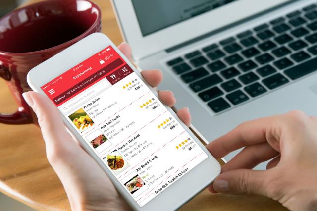Поиск e-mail директоров компаний по доставке еды США